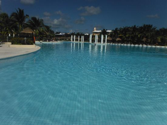the riviera pool picture of grand palladium white sand. Black Bedroom Furniture Sets. Home Design Ideas