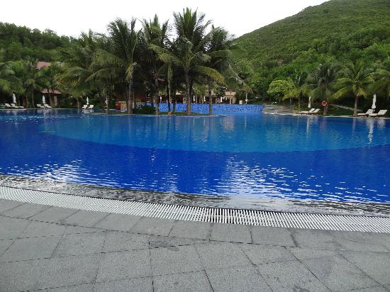 Vinpearl Luxury Nha Trang: Common pool area