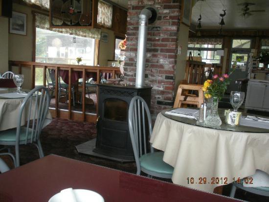 Roseanna's Cafe: interior dining room