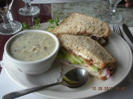Roseanna's Cafe: turkey sandwich clam chowder