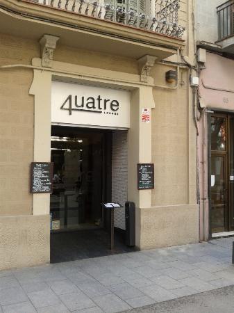 4uatre Lounge