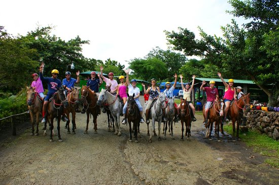 Issys Tours Costa Rica: Horseback riding