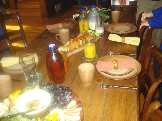 Turning Waters Bed, Breakfast and Adventure: Turning Waters breakfast; not the best picture but you get the idea.