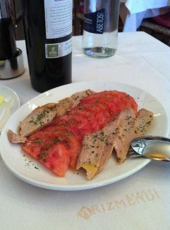 Asador Arizmendi: tasty tuna con tomatos