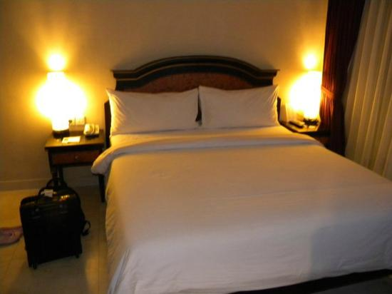 Bali Kuta Resort & Convention Center: Room