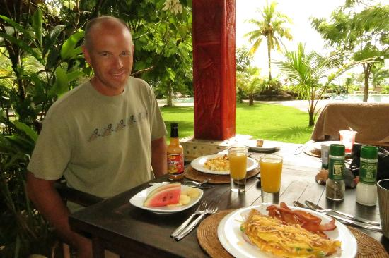 Popa Paradise Beach Resort : Delicious breakfasts!