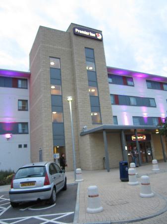 Premier Inn Rochester Hotel: Hotel front