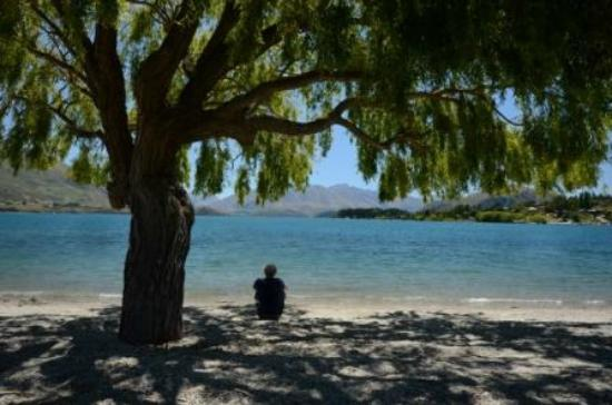 Edgewater: Relaxing by the shores of Lake Wanaka