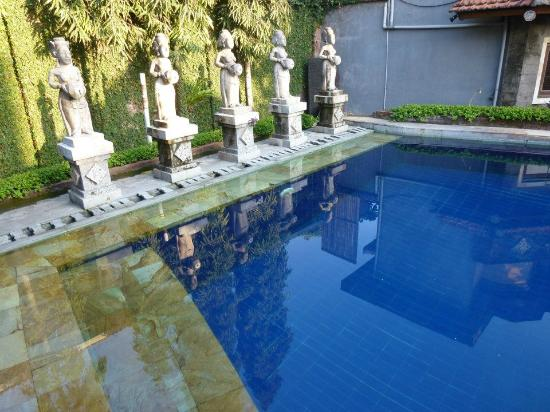 Putu Bali Villa and Spa: Hotel Pool