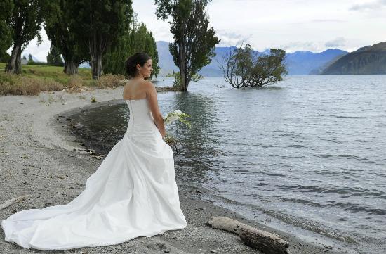 Bride over Lake Wanaka at Edgewater