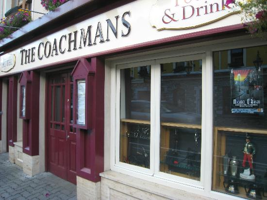 Coachmans Townhouse Hotel: Entrance to the Coachman's Hotel and Restaurant