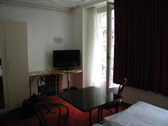 Hotel Alpina Luzern: Room 221