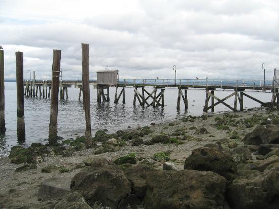 Mukilteo Lighthouse Park: The beach near by