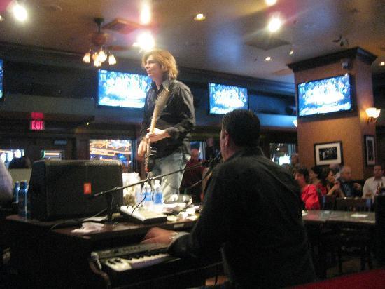 Bar at Times Square: Dueling piano bar