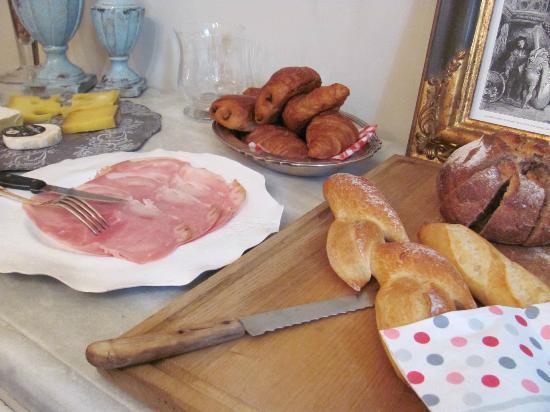 Cote Lourmarin: Breakfast