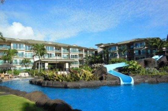 Waipouli Beach Resort: Pool and slide