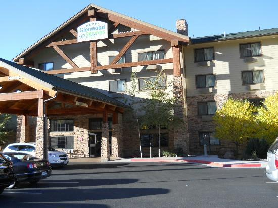 Hotel Glenwood Springs: front of the hotel
