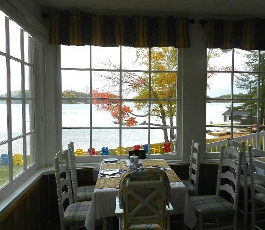 Shamrock Lodge: View from diningroom