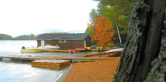 Shamrock Lodge: Dock
