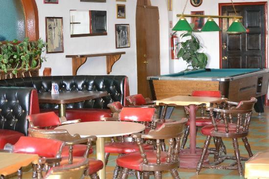 Las Palmas Hotel: Fun bar, darts, pool table, kareoke