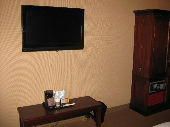 Sheraton Houston West: TV in room
