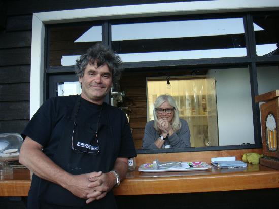 Punto Panorámico (Mirador & Bar): Claudio and Margarite