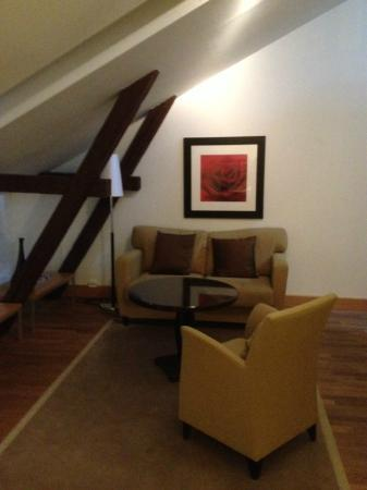 Elite Hotel Knaust: Sitting area on 1st floor in suite