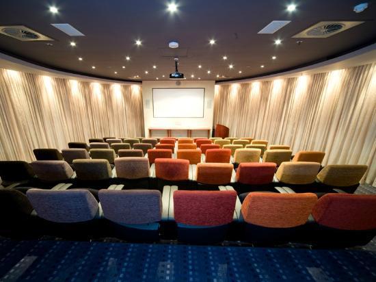 African Pride Melrose Arch Hotel: Auditorium