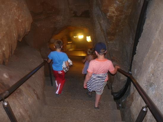 descente d 39 escaliers picture of grotte de la cocaliere courry tripadvisor. Black Bedroom Furniture Sets. Home Design Ideas