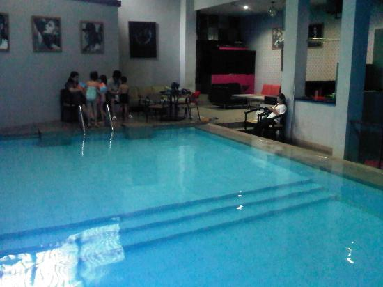 Bilique Hotel by LARIZ: minim cahaya, dimana petugas hotel, jika ada yg tenggelam ?