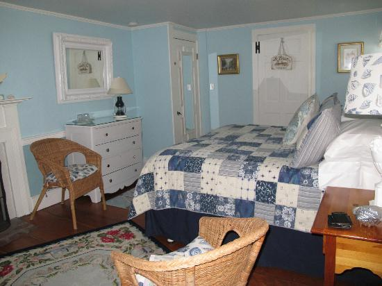 The 1750 Inn at Sandwich Center: The room on the 2nd Floor