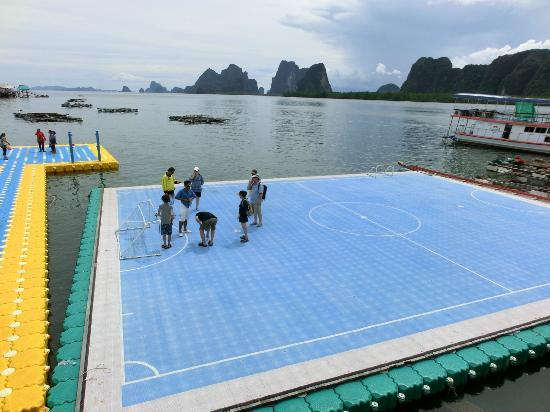 Phuket Sail Tours: The floating Soccer Field- Koh Panyee Phang Nga Trip