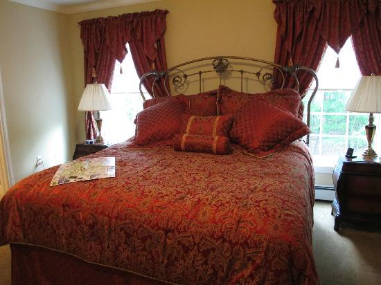 Silver Service Inn Bed & Breakfast: Room decoration
