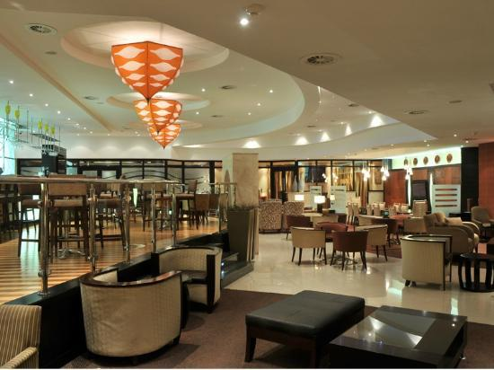Protea Hotel by Marriott Midrand: Restaurant & Lounge