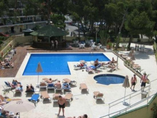 Apartamentos Inn: the pool