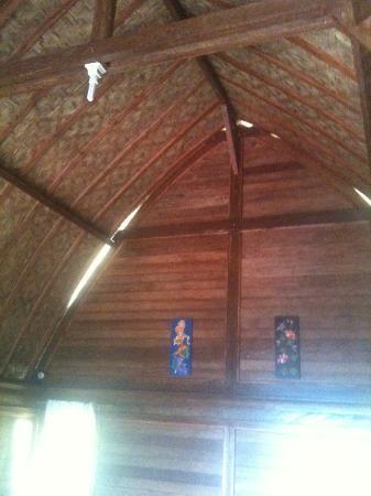 Baruna Cottages: la chambre