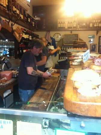 All' Antico Vinaio: inside