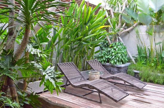 Royal Kamuela Ubud: Relax by the pool