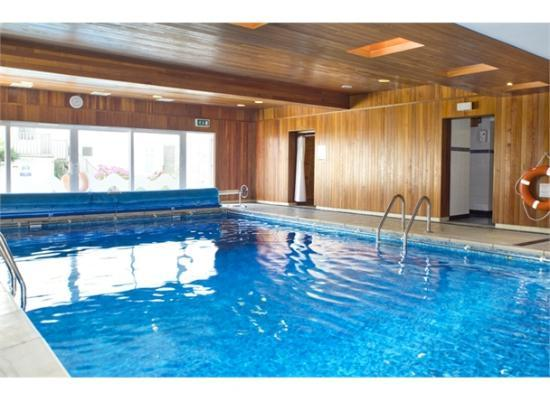 Hotel front picture of kilbirnie hotel newquay tripadvisor for Cornwall hotels with swimming pools