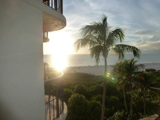 Hilton Marco Island Beach Resort: Gulf coast sunset