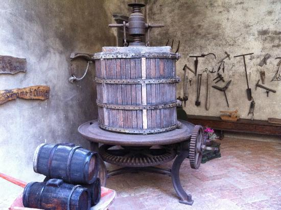 Castello del Trebbio: olive press