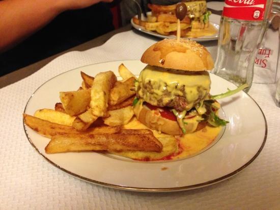 Chez David: Un Burger provençal à tomber par terre !