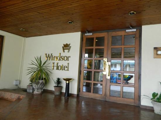 Windsor Hotel: front door
