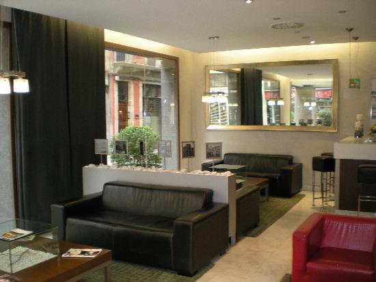 Hotel Ciutat de Girona: Reception