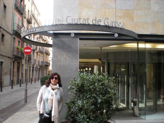 Hotel Ciutat de Girona: Outside