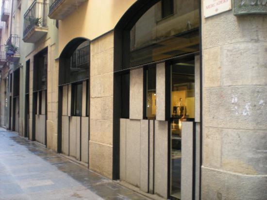 Outside picture of nu restaurant girona tripadvisor - Restaurante nu girona ...