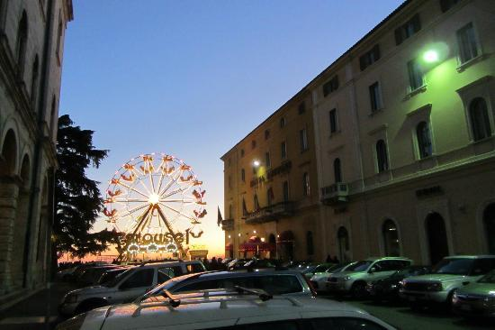Sina Brufani: Hotel next to the ferris wheel
