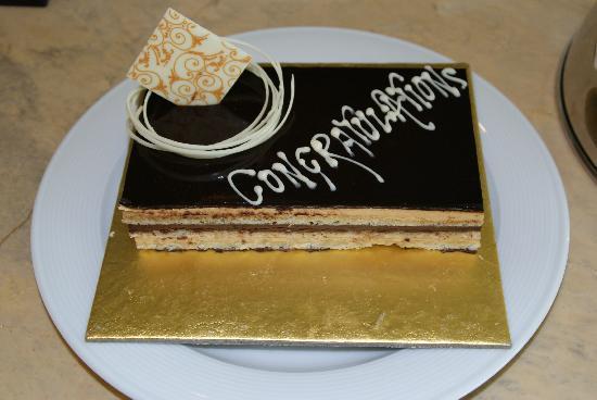 The Leela Palace New Delhi: Leela Palace - Gâteau offert pour notre lune de miel