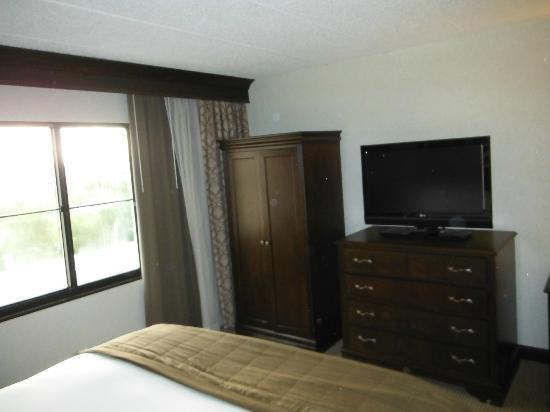 Embassy Suites by Hilton Philadelphia Airport: bedroom
