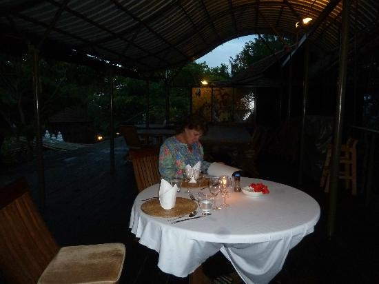 Malihom Private Estate: Dinner on the terrace